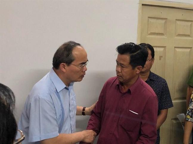 Bi thu kiem Chu tich phuong Nguyen Thai Binh thiet mang trong vu chay chung cu Carina
