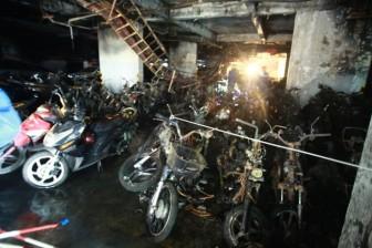 Cận cảnh bên trong chung cư Carina Plaza sau vụ cháy đặc biệt nghiêm trọng