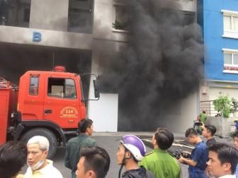Cháy chung cư Carina: 'Nếu không có lính cứu hỏa không sợ chết leo lên cứu thì những tầng phía trên không sống nổi đâu'