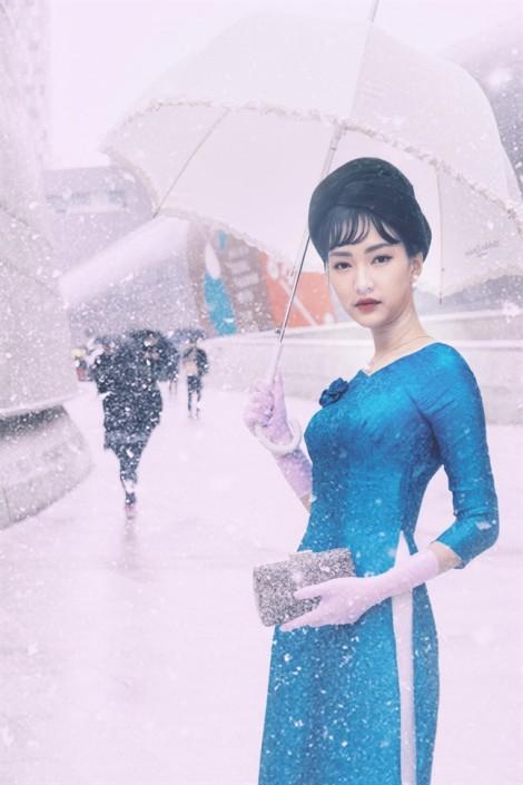 Nàng thơ xứ Huế diện áo dài lụa mỏng manh giữa trời tuyết xứ Hàn