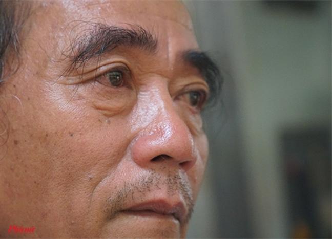 Chay chung cu Carina: Nguoi dan ong khoc dau don khi cuu hang chuc nguoi nhung con chau cua minh thuong vong