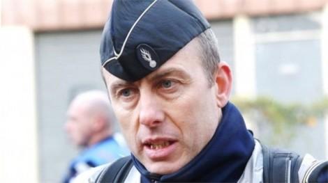 Tấn công khủng bố ở Pháp: Người hùng cảnh sát hy sinh vì cứu người