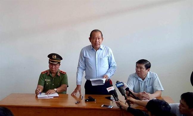 Pho Thu tuong Truong Hoa Binh dong vien cac nan nhan vu chay chung cu Carina