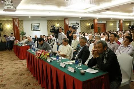 NS Phạm Tuyên xúc động khi thay bố nhận giải Danh nhân Văn hóa VN thời hiện đại