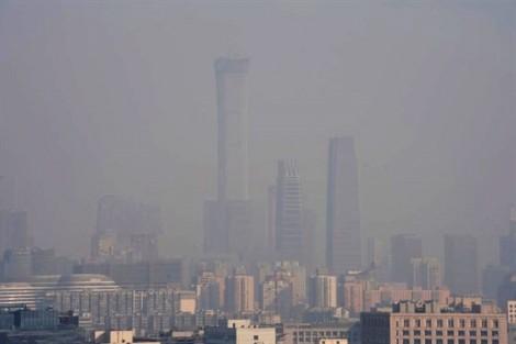 Lần thứ ba trong năm Bắc Kinh cảnh báo khói mù nghiêm trọng