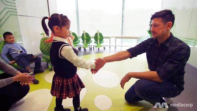 Phu huynh Trung Quoc chi tram trieu cho con hoc choi golf, tap lam giam doc