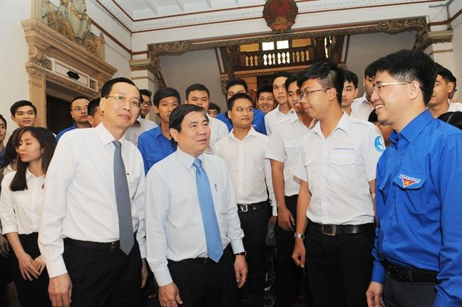 Chu tich Nguyen Thanh Phong: Lanh dao TP dong hanh cung sinh vien trong cach mang 4.0