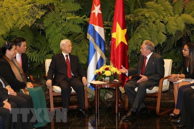 Chu tich Cuba Raul Castro Ruz hoi dam voi Tong bi thu Nguyen Phu Trong