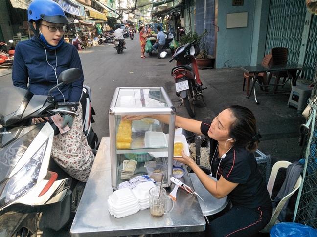 Banh cuon ngot Campuchia khong bang hieu, ban 1.000 cuon/ngay