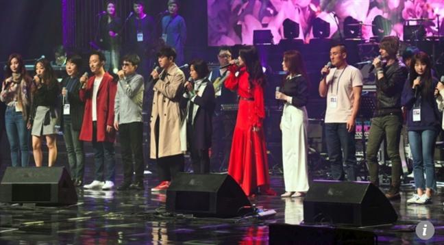 Kim Jong Un xem bieu dien K-pop tai Trieu Tien