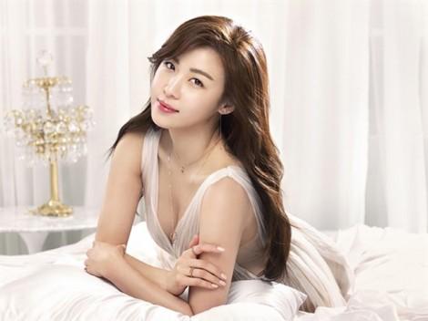 Những 'chị đại' xinh đẹp, tài năng của màn ảnh châu Á mãi chưa lên xe hoa