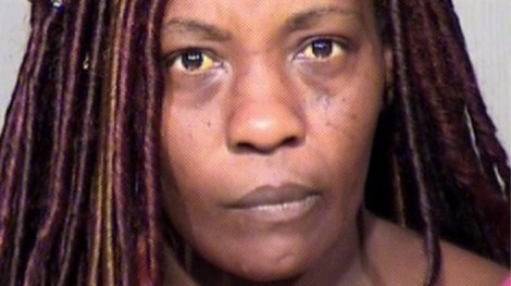 Mỹ: Mẹ dùng súng điện đánh thức con trai dậy đi lễ nhà thờ
