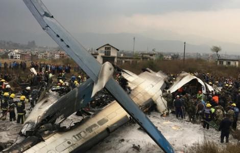 Máy bay đâm nhau trên đường băng, hai người chết