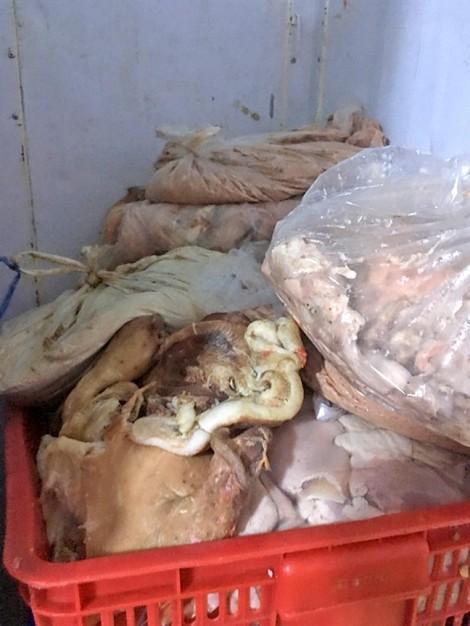 Hơn ba tháng, chưa tiêu hủy được lô thực phẩm kém an toàn