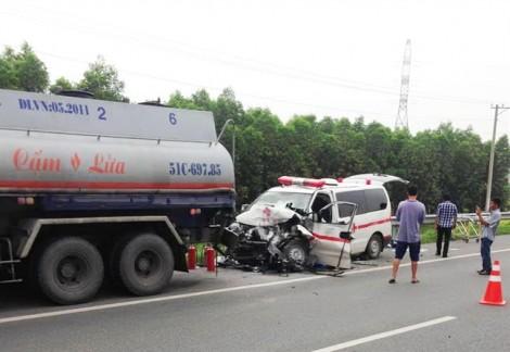 Cao tốc TP.HCM - Long Thành cảnh báo tai nạn vì xe cứu thương 'làm loạn'