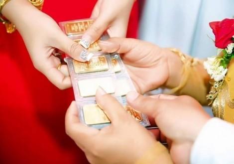 Mẹ chồng giữ vàng cưới