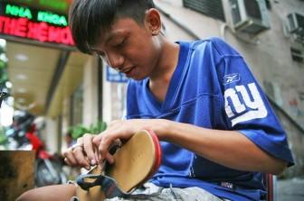Người và nghề đánh giày ở Sài Gòn