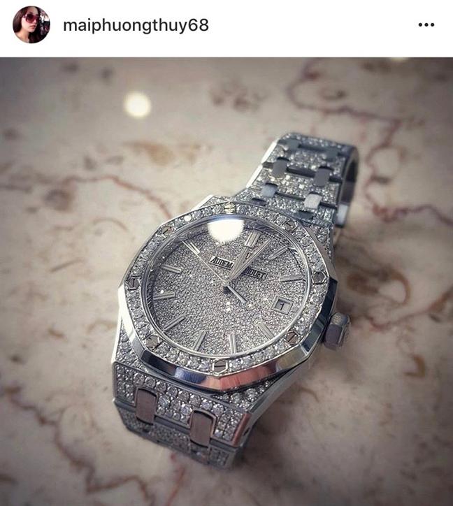 Mai Phuong Thuy sam tui Chanel 300 trieu dong chi de dung son