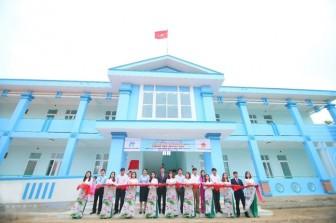 Chubb Life và Chubb Charitable Foundation - International trao tặng trường học mới tại Quảng Bình