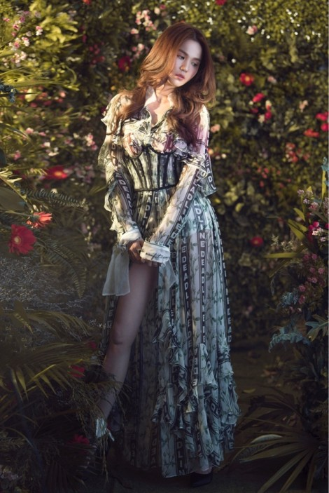 Hình ảnh ngọt ngào của Ngọc Trinh khi lần đầu mặc đồ Công Trí