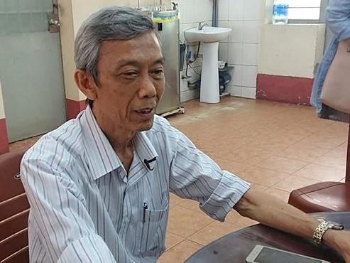 Nam sinh truong THPT Nguyen Khuyen cuoi voi ban truoc khi nhay lau tu tu