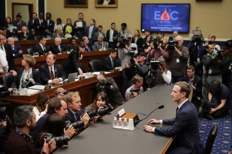 Facebook nhận lỗi để rồi lại mạnh hơn