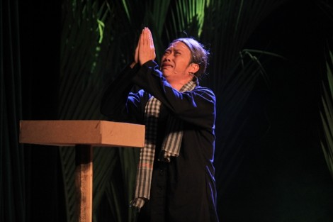 Có một Hoài Linh khác lạ ở Liên hoan Sân khấu