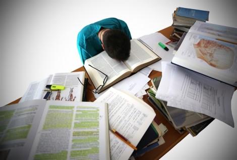 Áp lực học hành: Cha mẹ là cha mẹ, cha mẹ không thể là bạn