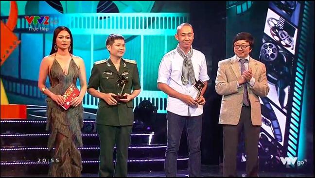 Nha Phuong bat khoc khi nhan giai Canh dieu vang