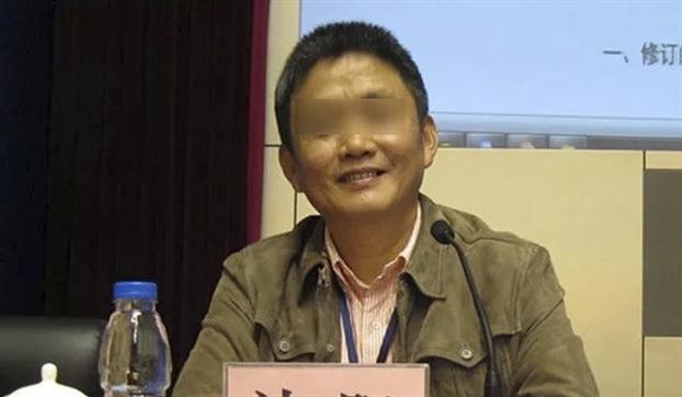 Trung Quoc: Tu vu sinh vien tu tu lam lo nhung khoang toi nhuc nhoi trong truong dai hoc
