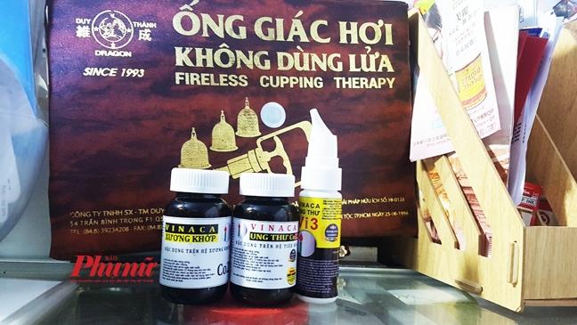 Can canh san pham Vinaca rao chong ung thu trung bay o Sai Gon