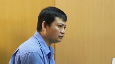 Người chồng nghi cắt cổ tay vợ rồi bỏ thi thể vào phuy nước đối diện án tử