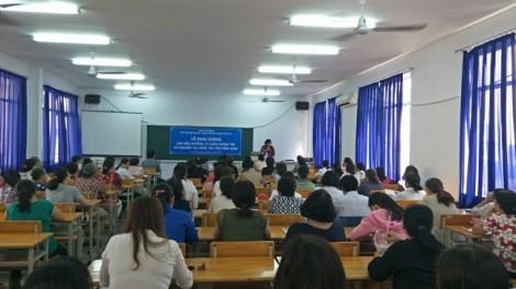 120 học viên dự lớp bồi dưỡng 'Lý luận chính trị và nghiệp vụ công tác Hội'