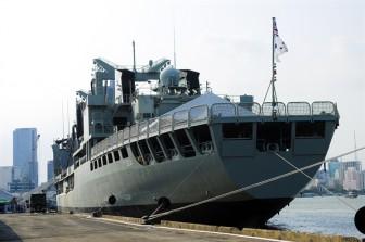 Cận cảnh 3 tàu hải quân Hoàng gia Australia cập cảng Sài Gòn
