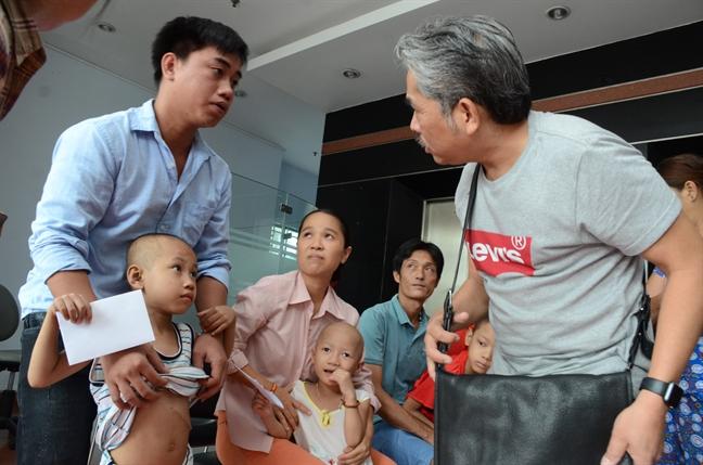 Nhac si Viet kieu 12 nam chung tay lam tu thien cung bao Phu Nu TP.HCM