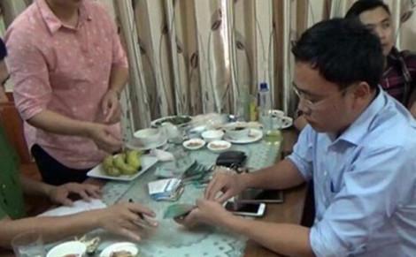 Xử sơ thẩm cựu nhà báo Lê Duy Phong cưỡng đoạt tài sản tại Yên Bái