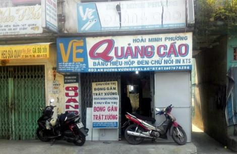 Người đàn ông lưu giữ ký ức Sài Gòn qua những bảng hiệu quảng cáo vẽ tay suốt 30 năm
