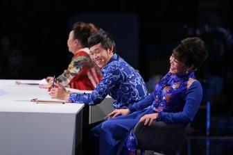 Nghệ sĩ Hoài Linh gây bất ngờ với màn hát vọng cổ hơi dài hơn 80 chữ