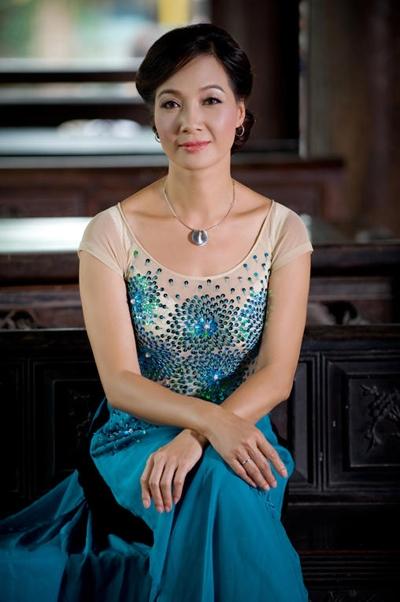 NSND Le Khanh: Nhieu 'set' tang danh hieu bay gio nham muc dich bu dap cho nhung nghe si dang... bi om
