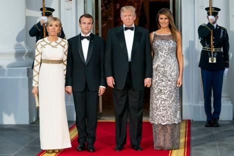 'Tuyên ngôn thời trang' của Đệ nhất phu nhân Melania Trump trong quốc yến đầu tiên