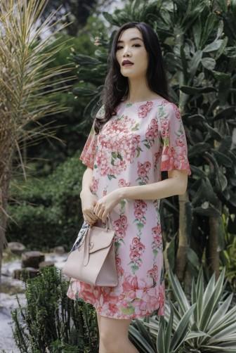 Hoa hậu Thùy Dung gợi ý cách phối váy hoa cho nàng du lịch hè