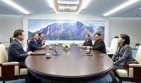 Bóng hồng đặc biệt tháp tùng ông Kim Jong Un sang biên giới Hàn Quốc