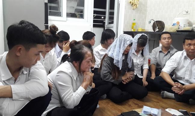Canh sat kiem tra co so Hoi Thanh Duc Chua Troi Me o Nghe An