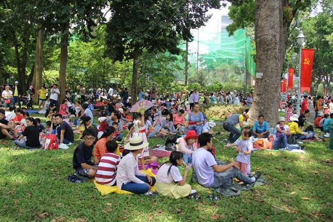 Bien nguoi do ve, Thao Cam Vien TP.HCM qua tai ngay 30/4