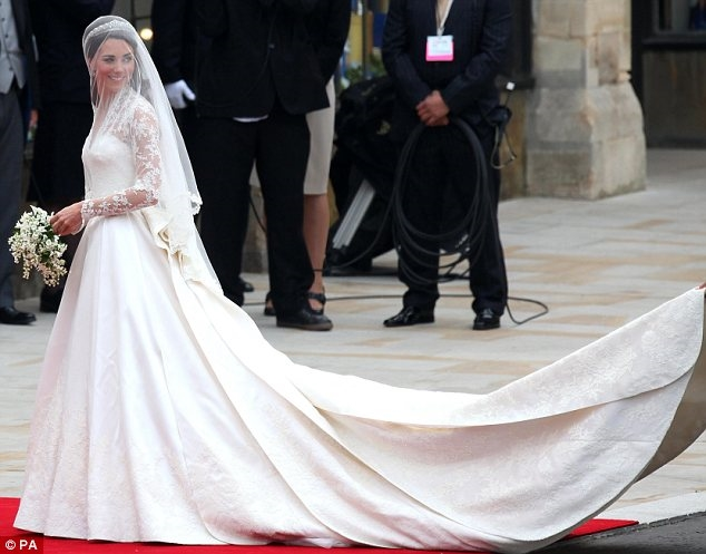 Tiet lo ve vay cuoi hon 3 ty dong cua cong nuong tuong lai Meghan Markle