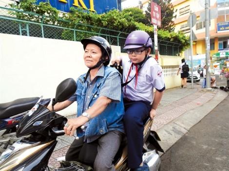 Xe ôm công nghệ đưa trẻ đến trường, liệu có đáng tin?