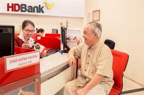 Giữa năm, HDBank tung mưa quà tặng