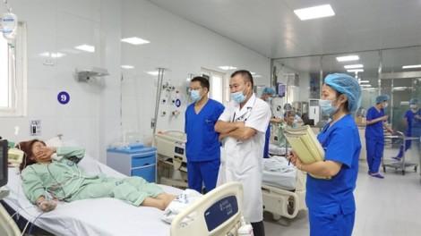 Dùng thuốc truyền trắng da, một phụ nữ Hà Nội cấp cứu ngay trong đêm