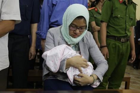 Xét xử vụ án Hứa Thị Phấn: Nữ đại gia 'kéo' nhiều người thân vào vòng lao lý