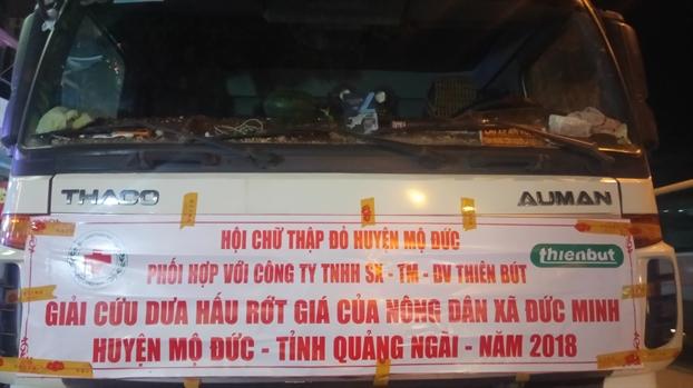 Nguoi Sai Gon nghia tinh 'giai cuu' 18 tan dua hau Quang Ngai
